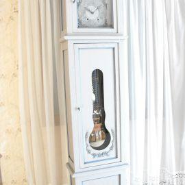 Horloge comtoise modèle unique chêne massif peinte
